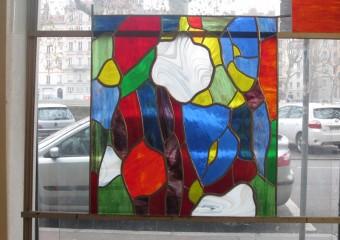 Le vitrail en cours de réalisation avec Joël Mône. Atelier Vitrail Saint Georges Lyon.